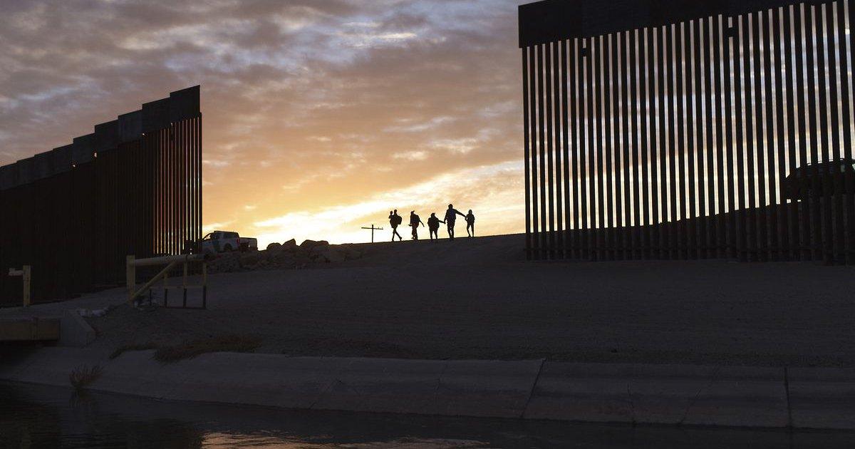 Border 2.jpg